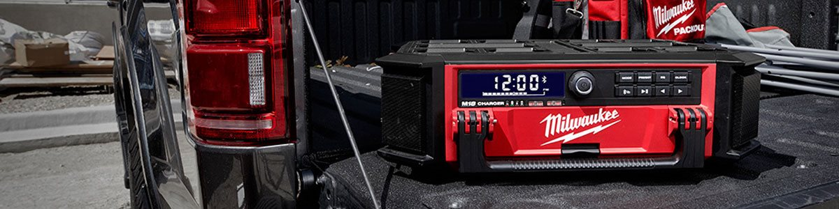 2950-20 Packout Radio and charger Milwaukee